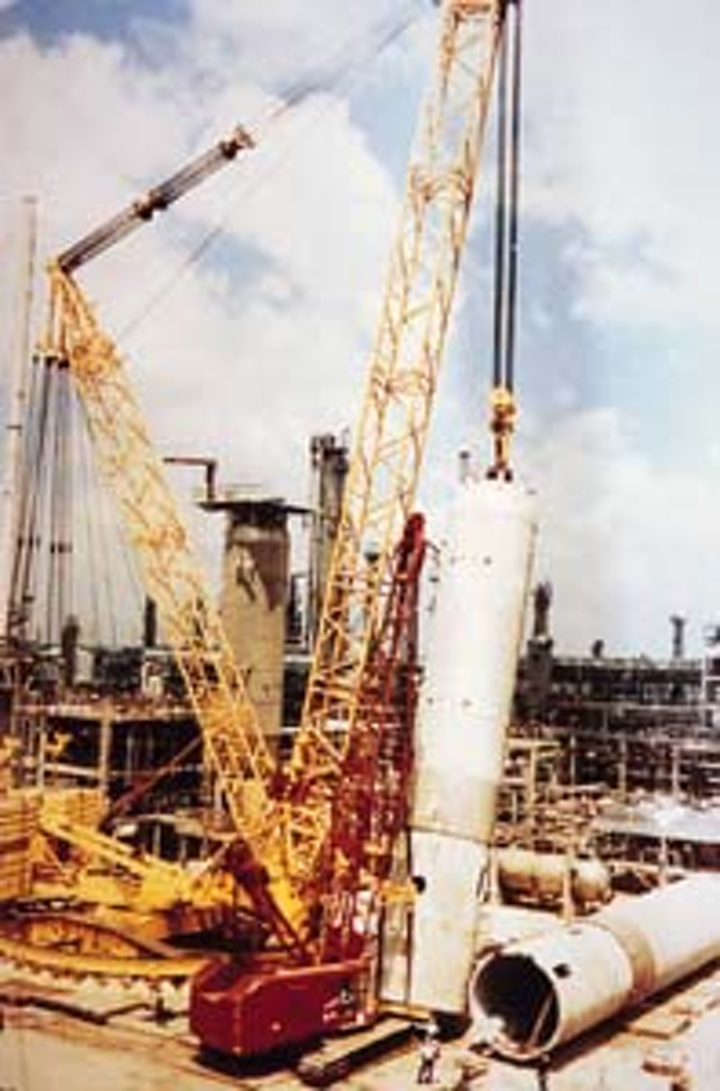TEXAS REFINER OPTIMIZES BY INTEGRATING UNITS FROM IDLE PLANT   Oil