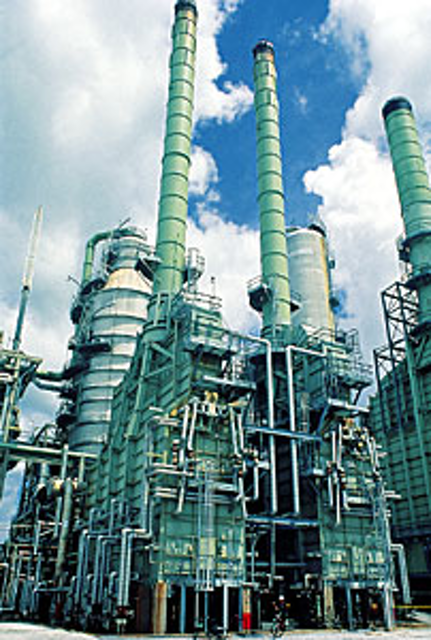 Crude-unit control system pays off at Louisiana refinery